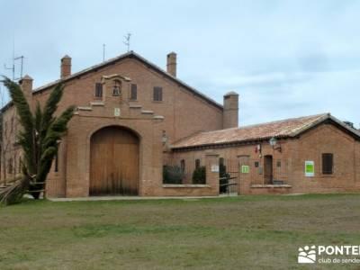 Viaje Semana Santa - Mallos Riglos - Jaca; excursiones senderismo madrid; senderismo y excursiones;m